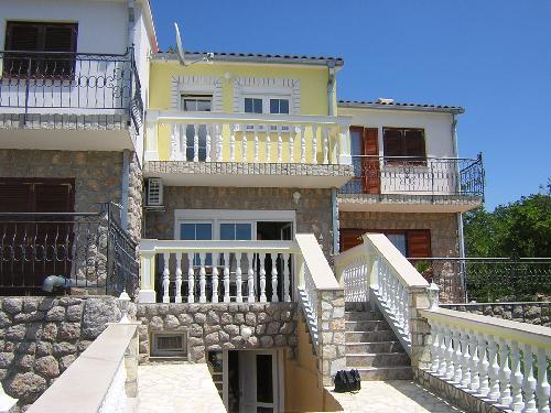 reihenhaus mit garage am meer in kroatien 169000. Black Bedroom Furniture Sets. Home Design Ideas