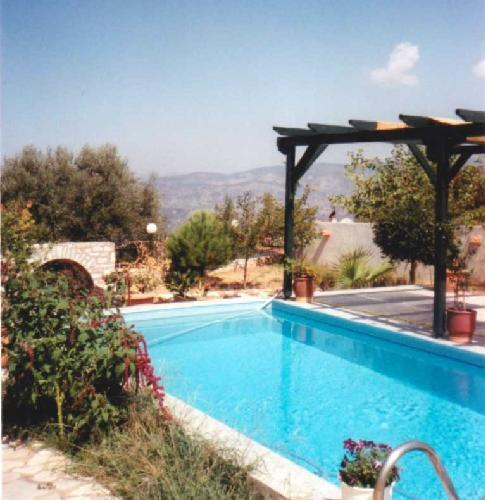 haus kaufen in kyparissia peloponnes griechenland. Black Bedroom Furniture Sets. Home Design Ideas