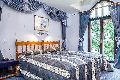 besonderes angebot teilzahlung kirche in 760000. Black Bedroom Furniture Sets. Home Design Ideas