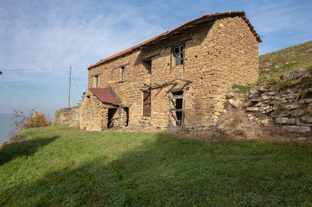 Landhaus mit land zu renovieren - Landhaus renovieren ...